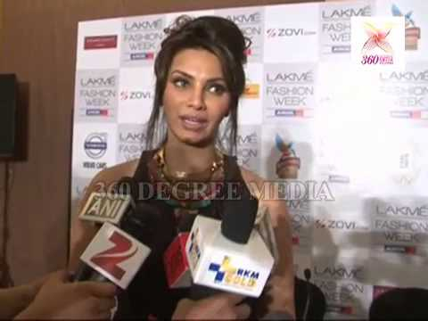 Hot Sexy Diana Hayden Says that 1st Lakme Fashion Week and 1st Experience for Her at the LFW 2013