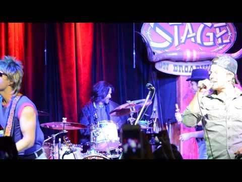 Kip Moore Sings With Dierks Bentley's '90s Covers Band video