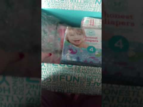 Honest Company diaper bundle and add-ons unboxing for Jan 2017