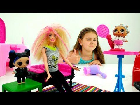 Видео для девочек с Барби - Салон красоты кукол ЛОЛ