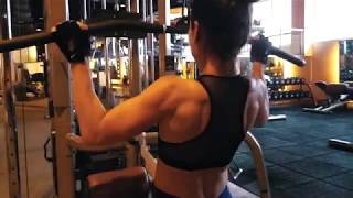 Fitness / Bodybuilding Motivation - Celebrity Fitness Indonesia