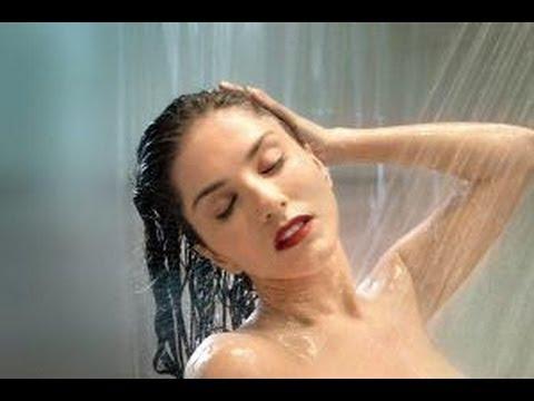 Sunny Leone Refuses To Go Topless For Shower Scene - BT