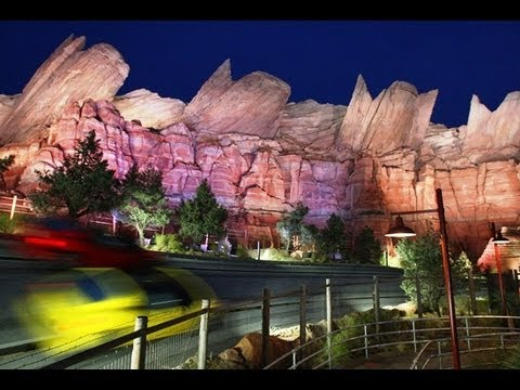 ♥♥ 2016 Radiator Springs Racers (night time) at California Adventure