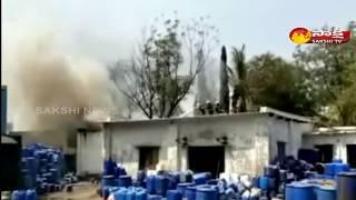 Fire Accident in Jeedimetla industrial area Hyderabad   జీడిమెట్ల పారిశ్రమిక వాడలొ అగ్ని ప్రమాదం