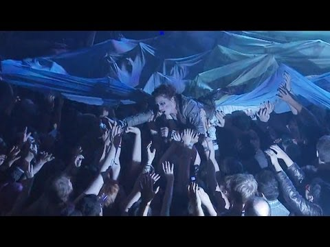 Amanda Palmer & The Grand Theft Orchestra - Bottomfeeder (Live in London)