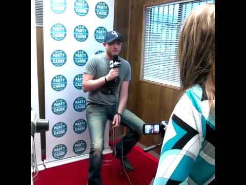 Cole Swindell Talks about Touring with Luke Bryan