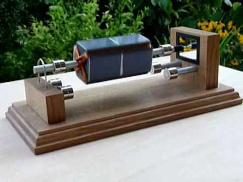Mendocino Motor, magnetically levitated and solar powered