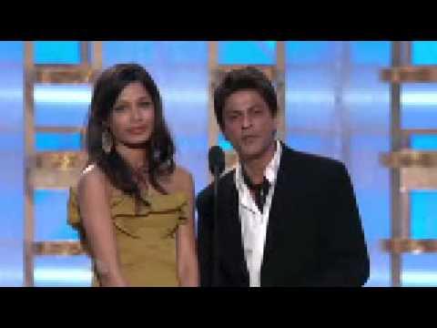 slumdog millionair - shahrukh at golden globe awards 2009 Video