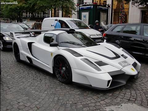 Ferrari Enzo MIG-U1 driving in Paris