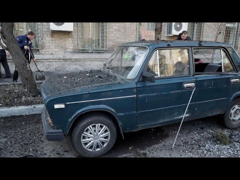 Shelling hits central Donetsk ahead of Ukraine ceasefire