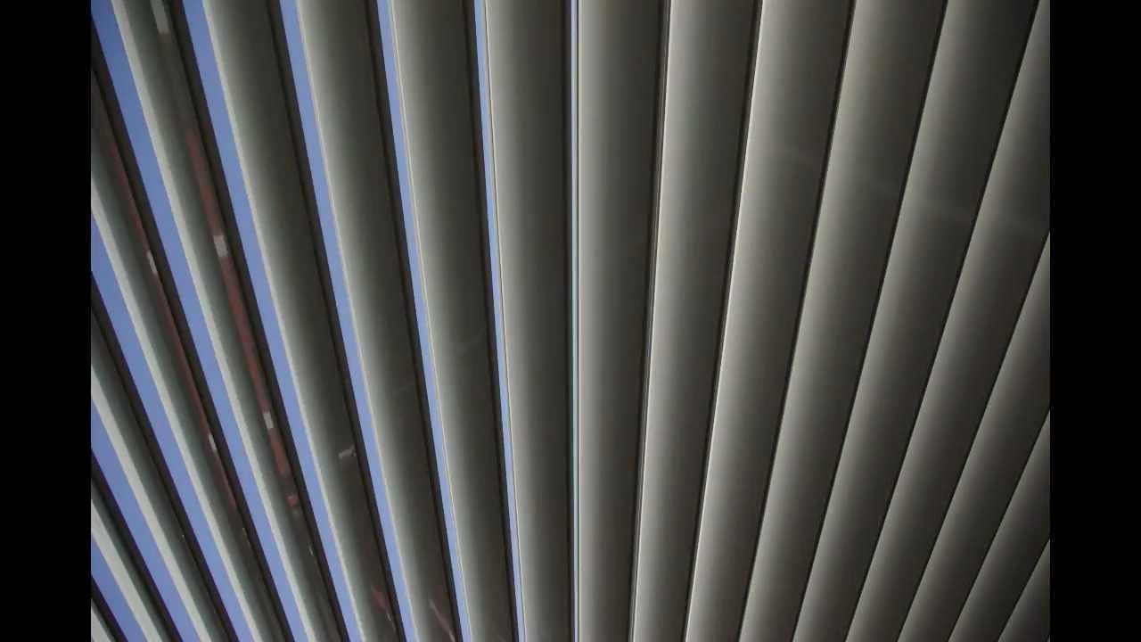 Pergola bioclimatica de lamas de aluminio orientables for Lamas aluminio techo