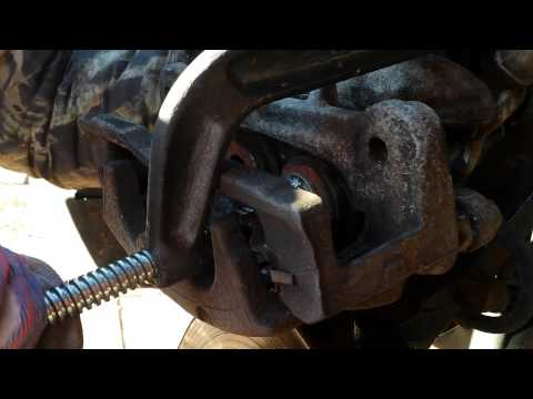 How to change brakes on 2003 chevy trailblazer ext/gmc envoy
