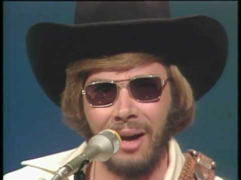 Hank Williams jr  (Cant you see) Music Videos