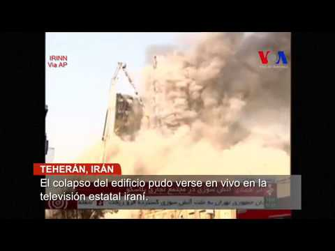 Colapsa edificio en llamas en Teherán: 30 muertos