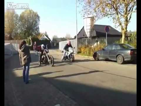 Harley Davidson Chopper vs. Sport Bike Race