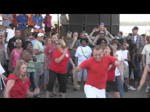 Erie PA Flash Mob at the Burger King Amphitheater