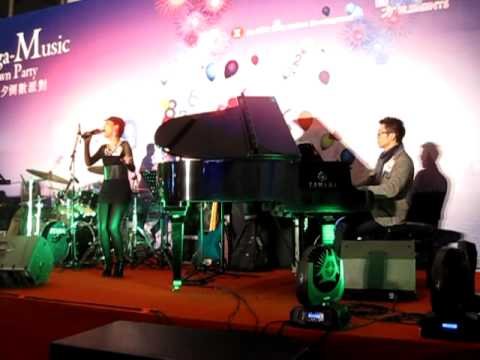 Hei & Karen@ Mega-Music 除夕倒數派對 31.12.2011