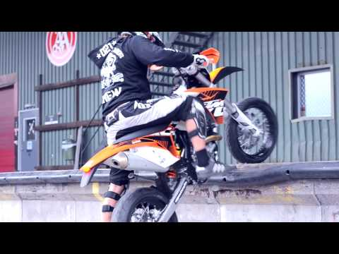 Supermoto Fun! Chill night with the Retards... [2012]