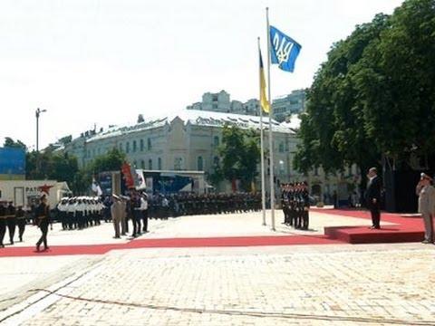 Poroshenko Sworn in As Ukraine's New President