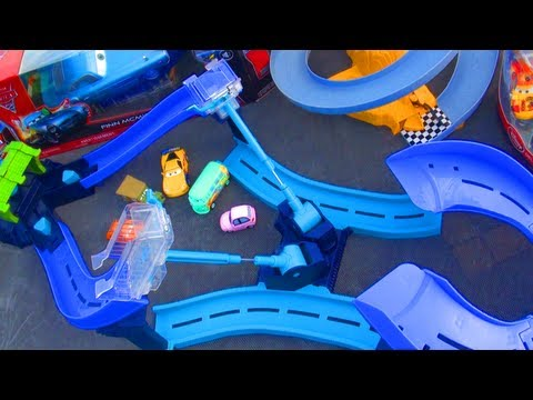 Disney Cars  Tokyo Spinout Race Track Speedway Launcher Playset