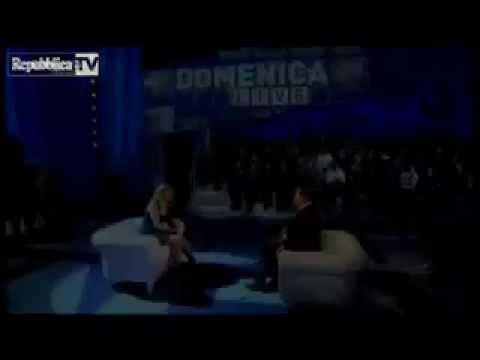 """FUORI ONDA  DI BERLUSCONI DA BARBARA DURSO  DICE      """"FAMMI DOMANDE"""""""