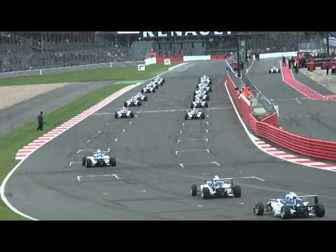 Start of the F4 Eurocup 1.6 race at Renault World Series, SIlverstone.