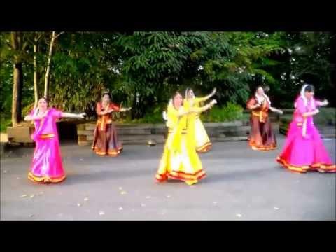 "Nagada Sang Dhol performed by Studio Indian Dance ""Saraswati"" 2014"