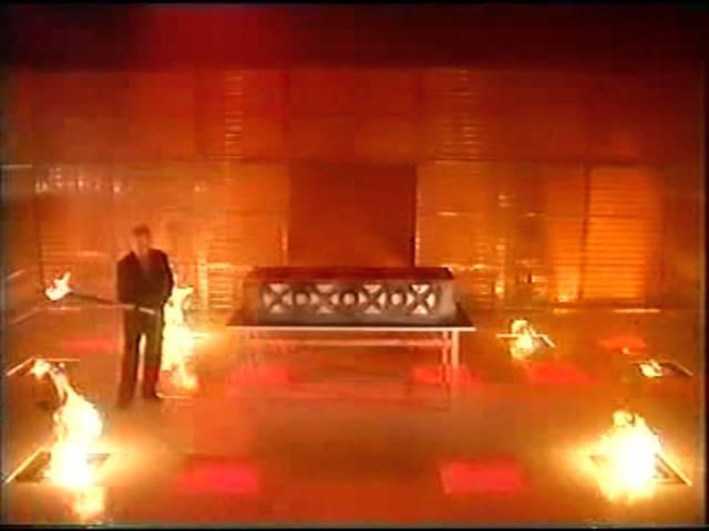 Paul Daniels magic show-Debbie Mcgee cremation illusion