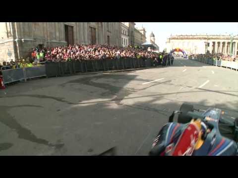 David Coulthard - Red Bull F1 demo in Bogota (Colombia)