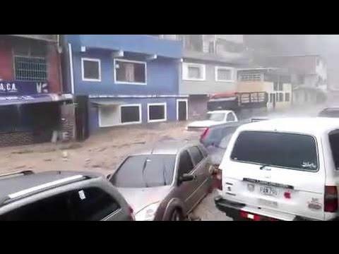 Violentas Inundaciones arrasan en Petare, Caracas, Venezuela   21 de abril 2016
