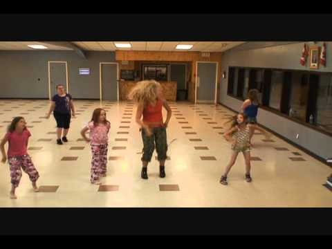 Wow Girls Zumba - What Makes You Beautiful video