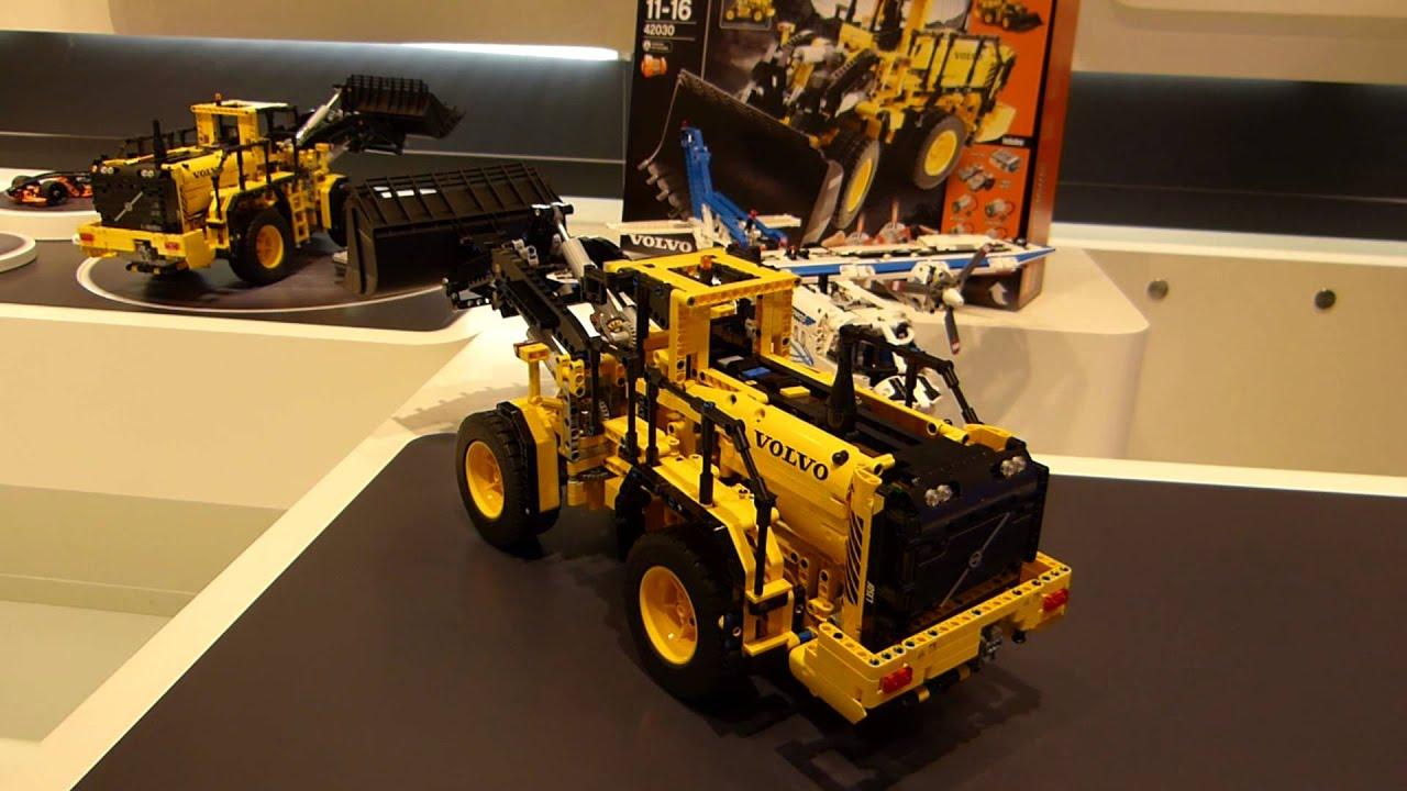Spielwarenmesse 2014 Lego 174 Technic Volvo Buldozer 42030