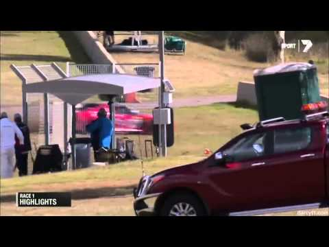 Alford Big Crash @ 2014 GT Eastern Creek Race 1