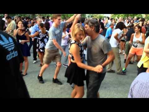 SALSA DANCING IN NYC