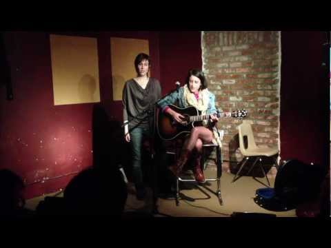 Reggie Ginn & Lindsey Pavao Cover Gotye somebody That I Used To Know video