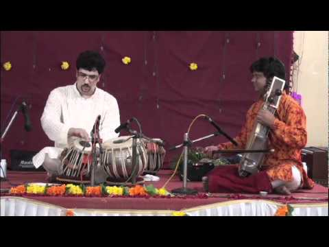 Prafulla Athalye, a senior disciple of Ustad Allarakha, performing Tabla Solo in Mumbai. Clip 1.
