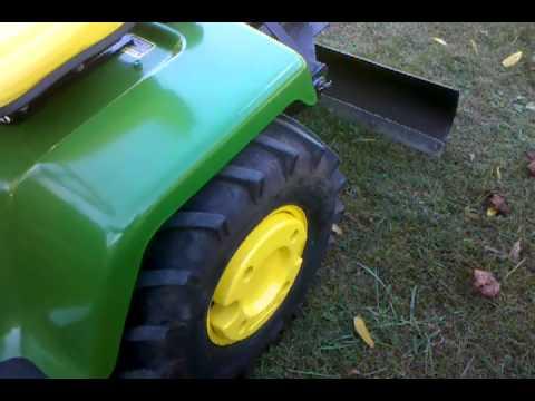 John Deere 318 garden tractor with rear hydraulics