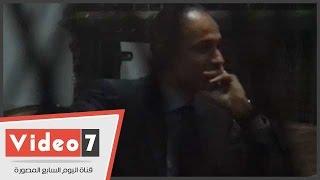بالفيديو.. علاء وجمال مبارك لأول مرة بالزى المدنى أمام المحكمة فى قضية التلاعب بالبورصة