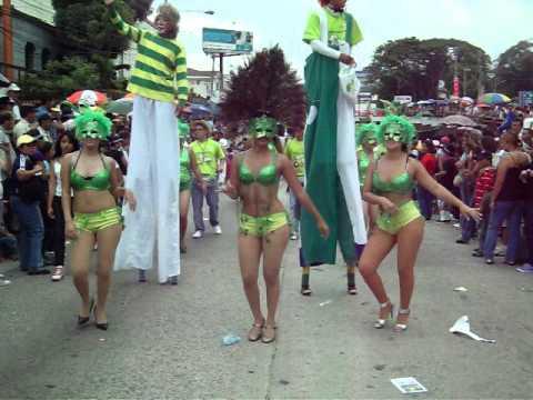 Desfile del comercio en las Fiestas Agostinas 2011. Parte 28.