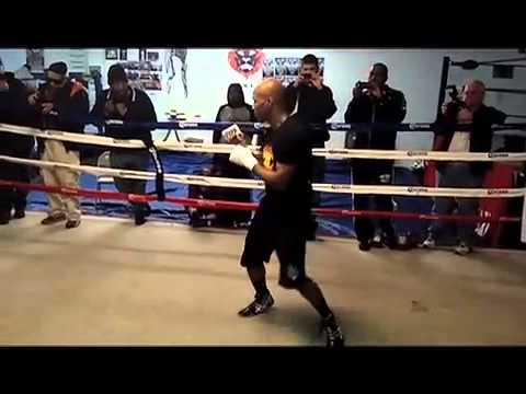 Zab Judah shadow boxing -  jayson cross EsNews Boxing Image 1