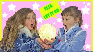 Ava and Isla Become Real Frozen Elsa and Anna Toys by Magic !
