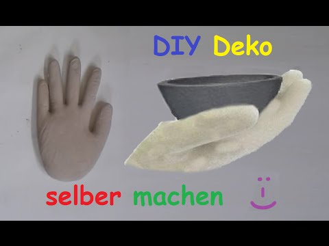 diy deko hand aus beton oder gips mit latexhandschuh selber machen betonhand gipshand. Black Bedroom Furniture Sets. Home Design Ideas