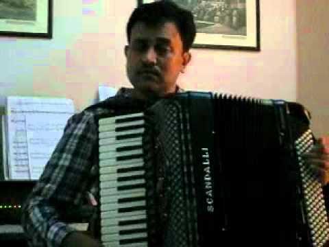 Pyar Hua Iqrar Hua - Shri 420 1955 played by Amit Vaidya on...