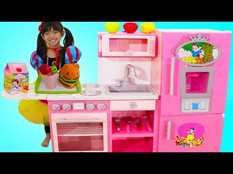 Emma Pretend Play w Disney Princess Snow White Pink Kitchen Toy Kids Play Set