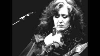 Watch Bonnie Raitt Guilty video