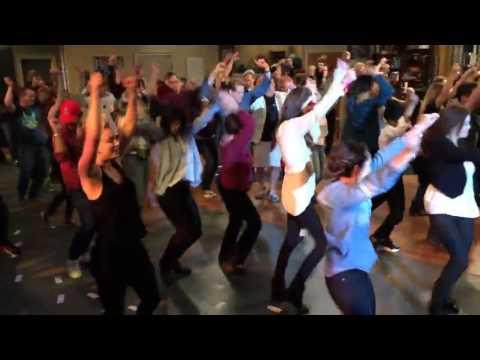 uptown funk - Bruno Mars song - The Big Bang Theory Flash Mob 2014 with Jim Parsons