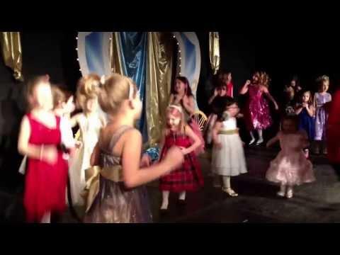 Cinderella's Ball au Richland Academy