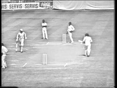 Pakistan vs India 1978-79 (Pak 1st innings part 1) - Kapil Dev's debut