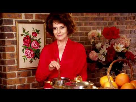 Mika - Elle Me Dit (clip Officiel) video