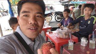 Lý Thiện cùng Chú Út và các em ăn cơm tại chợ xã Ngọc Thuận - Giồng Riềng